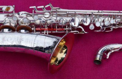 "Buescher 1955 '400 – ""Top Hat & Cane""' Eb Alto, Silver #355,08x"